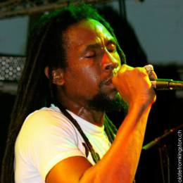 Pictures from the Jah Cure – Concert!